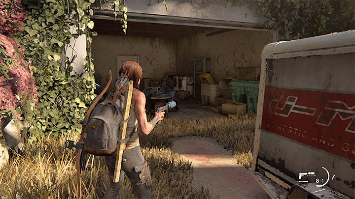 Der Eingang zum Herrenhaus ist verschlossen, aber Sie können die Garage auf der linken Seite erkunden - The Last of Us 2: Pushing Inland - Sammlerstücke, Artefakte, Münzen - Santa Barbara - The Last of Us 2 Guide