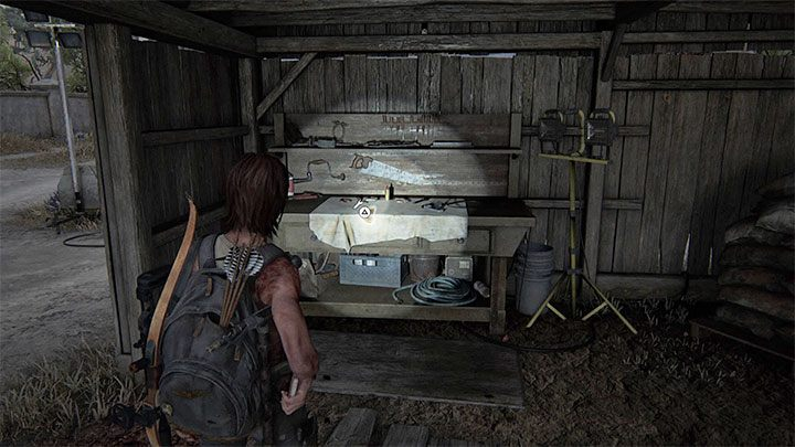 Die Werkbank befindet sich in einem großen überdachten Bereich - The Last of Us 2: Das Resort - Sammlerstücke, Artefakte, Münzen - Santa Barbara - The Last of Us 2 Guide