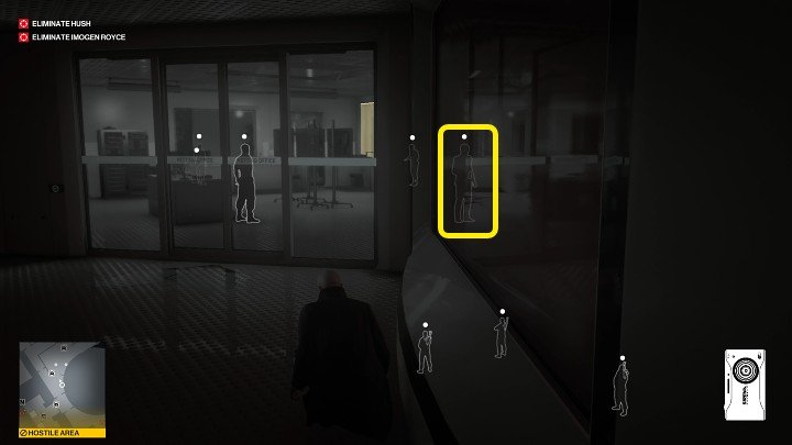 If the man marked in the image above is not standing next to the bodyguard, you will have to wait until he finishes drinking his water and approaches the desk on the left - Hitman 3: Imogen Royce - how to kill her? Chongqing, China, walkthrough guide - End Of An Era - Chongqing - Hitman 3 Guide