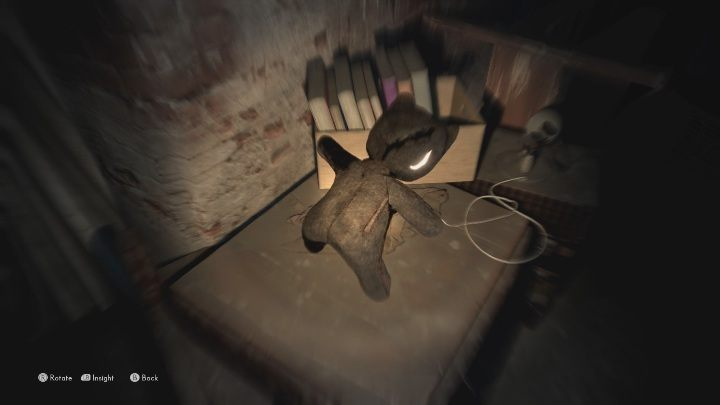 To find this echo, you must examine the teddy bear lying next to the books - The Medium: Echoes - list - Secrets and Collectibles - The Medium Guide