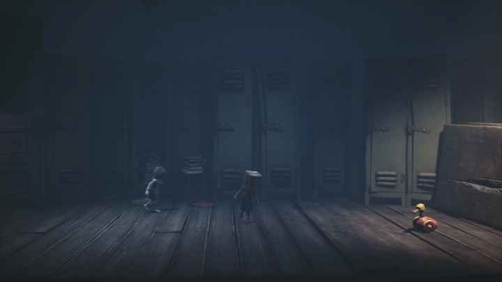 There are even more traps in the next part of the corridor - Little Nightmares 2: School - guide, walkthrough description - Chapter 2 - Orphanage - Little Nightmares 2 Guide