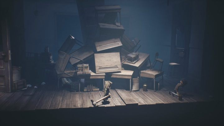With this hammer, you must destroy the surrounding enemies - Little Nightmares 2: School - guide, walkthrough description - Chapter 2 - Orphanage - Little Nightmares 2 Guide