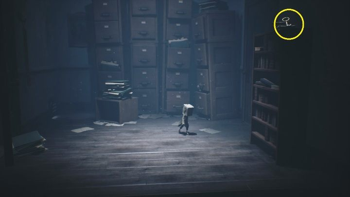 The key is located on the cabinet, to get to it you simply have to knock it over - Little Nightmares 2: School - guide, walkthrough description - Chapter 2 - Orphanage - Little Nightmares 2 Guide