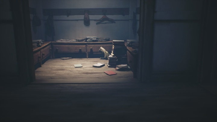 After a frantic dash, you must hide in the locker room, behind books and clothes - Little Nightmares 2: School - guide, walkthrough description - Chapter 2 - Orphanage - Little Nightmares 2 Guide