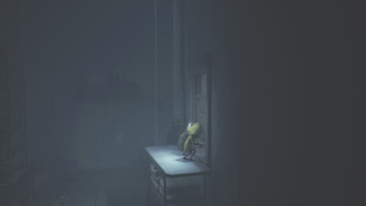 Your next task is to open the window - Little Nightmares 2: Crossing the city - a guide, walkthrough - Chapter 4 - Getting to the Tower - Little Nightmares 2 Guide