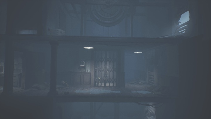 Immediately head towards the room located on the left - Little Nightmares 2: Crossing the city - a guide, walkthrough - Chapter 4 - Getting to the Tower - Little Nightmares 2 Guide
