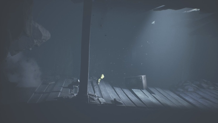 Unfortunately, a moment of horror awaits you - Little Nightmares 2: Crossing the city - a guide, walkthrough - Chapter 4 - Getting to the Tower - Little Nightmares 2 Guide